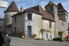 Varaignes Chateau 1