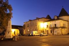 Varaignes Chateau 2