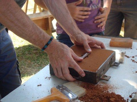 Atelier moulage festival des forgaes d'Etouars