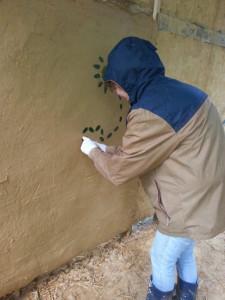 décoration sur torchis frais stage construction paille